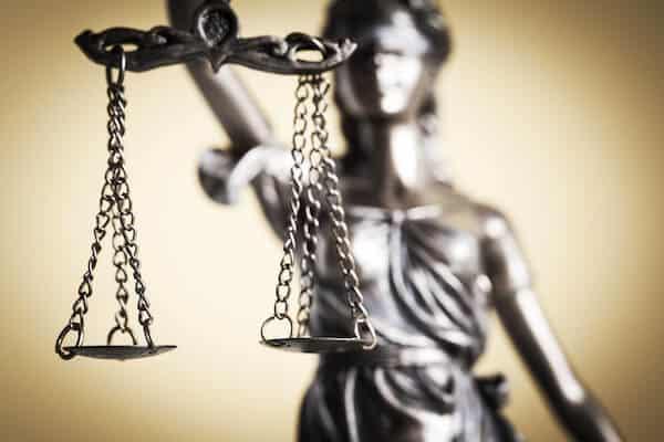 Rechtsschutz für Beamte Vergleich